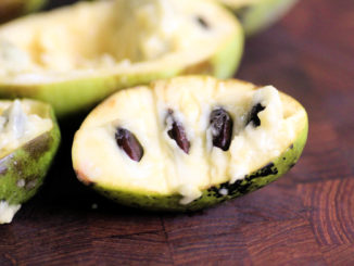 22987_20140915-pawpaws-americas-best-secret-fruit-cutting-board-samara-linnell-thumb-1500xauto-410874