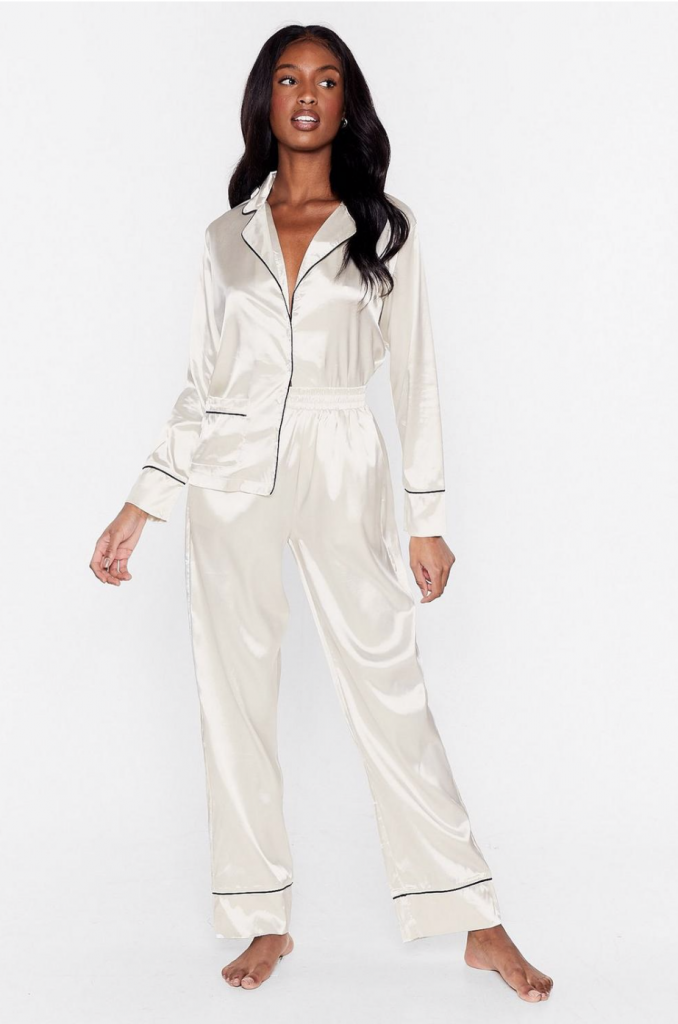 Tendance pyjama satiné - © Nasty Gal