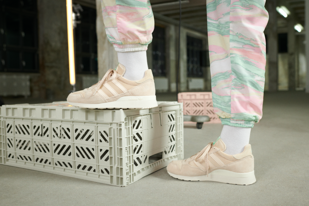 Le modèle Ozweego Adidas pour Share Her Power